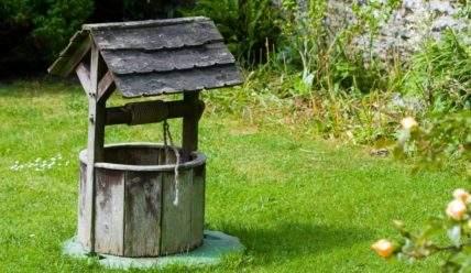 Что выбрать для садового участка, скважину или колодец — плюсы и минусы вариантов