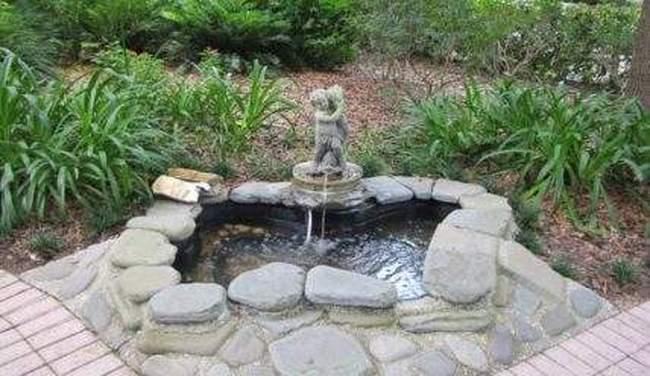 Декоративный фонтан на дачном участке