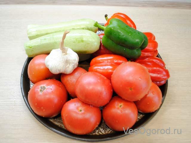Ингредиенты на заготовку из кабачков и перца на зиму