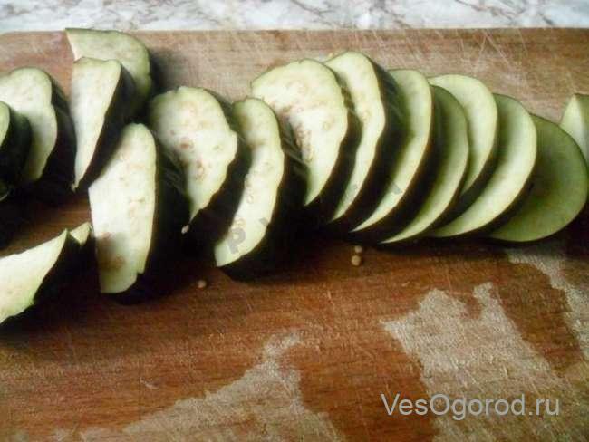 Нарезка баклажанов в салат