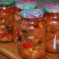 Салат Десяточка на зиму с баклажанами