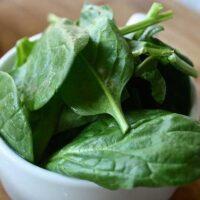 8 способов хранения шпината до зимы
